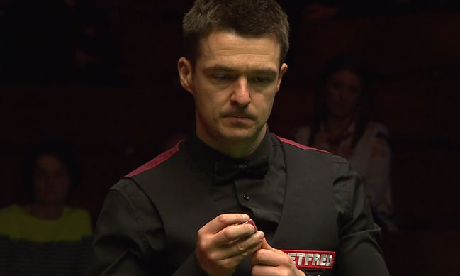 Giant-Killing Michael Holt Beats Neil Robertson 10-6